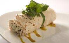 Wrap de frango com molho de gorgonzola