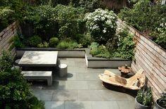 hero-brooklyn-townhouse-garden-gardenista_0.jpg 700×462 pixels