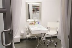 A Sola Salon Studio in Brentwwood, Calif. is clean and bright. www.nailsmag.com