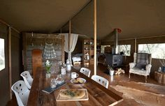 How To Start A Glamping Business In 2020: Independent Advice - the time to settle for ordinary has gone. This is what others are now doing in this exciting industry. Camping Glamping, Luxury Camping, Camping Gear, Camping Cooking Equipment, Glamping Holidays, Falcon Enamelware, Waterproof Tent, Luxury Tents, Cool Tents