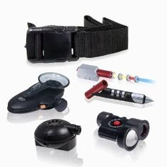 This kit gives young secret agents ages five pieces of equipment to go on pretend spy adventures. Electronics Gadgets, Tech Gadgets, Cool Gadgets, Travel Gadgets, Spy Kids, Spy Gadgets For Kids, Spy Tools, Spy Gear, Steampunk Gadgets