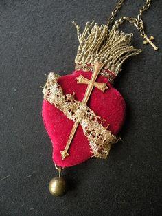 Vintage Sacred Heart ex voto necklace