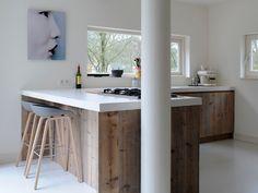 wood and white kitchen Popular Kitchen Designs, Kitchen Style, Sweet Home, House Interior, Bohemian Kitchen, Home Kitchens, Kitchen Design, Kitchen Remodel, Kitchen Photos