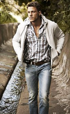 Yummy Rugged man. Fresh fashion pinspiration daily, follow http://pinterest.com/pmartinza