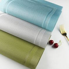 YO FUN Set of 6 PVC Placemats Washable Non-Slip Rectangle Table Mats Heat-Insulation Placemat Decoration for Home, Kitchen, Restaurant, Hotel, Blue Table Party, Dinner Table, Dining Table Placemats, Kitchen Decor, Restaurant, Decoration, Holiday Decor, Christmas, Fun