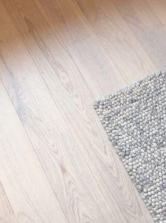 Parkett Hvit Eik Kristiansand, Rugs, Design, Home Decor, Farmhouse Rugs, Decoration Home, Room Decor, Home Interior Design