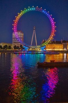 Color-The London eye, giant ferris wheel in London, England. Open in private ceremony December Open to public, March 2000 (due to technical difficulty). Taste The Rainbow, Over The Rainbow, Love Rainbow, London Eye, Beautiful World, Beautiful Places, Neon Licht, Rainbow Aesthetic, World Of Color