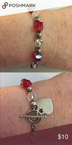 """🎈🆕 Red & Crystal Bracelet with ❤️ charm EUC  8"""" bracelet with red,clear, and silver. ❤️ charm. 🇺🇸🇺🇸🇺🇸.   🐶🚭. Offers and bundling welcome! Jewelry Bracelets"""