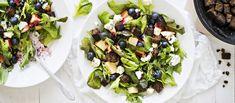 Tuoreet mustikat maistuvat helpossa salaatissa sekä kokonaisina ja että vinaigrettessa. N. 1,65 €/annos.
