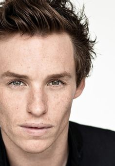 Eddie Redmayne, hands down my favorite ginger man. From Pillars of the Earth to Les Mis. Eddie Redmayne Les Miserables, Pretty People, Beautiful People, Harry Potter, Ginger Men, Celebs, Celebrities, Best Actor, Hollywood Stars