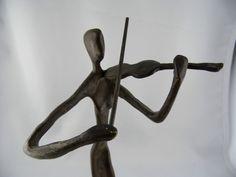 Skulptur Frau mit Geige Kunst Bronze Gelbguss Messing