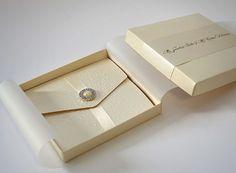 Box wedding invitations and get ideas how to make astonishing box invitations wedding Pinterest Wedding Invitations, Couture Wedding Invitations, Box Invitations, Wedding Invitation Kits, Black Wedding Invitations, Invitation Card Design, Card Box Wedding, Craft Wedding, Luxury Packaging