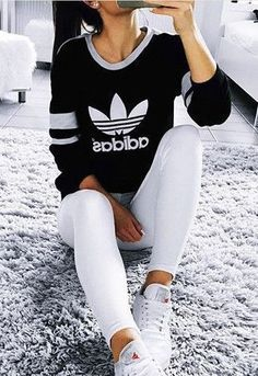 adidas shirt + white ripped denim jeans love this outfit very casual yet still stylish Sporty Outfits, Mode Outfits, Stylish Outfits, Fall Outfits, Summer Outfits, Fashion Outfits, Womens Fashion, Fashion Trends, Fashion Clothes
