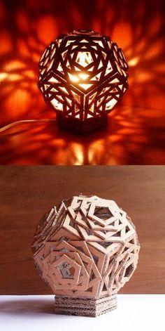 Esto seria con una lampara solar adentro y seria para las mesas q no tengan nada como las de la barrita