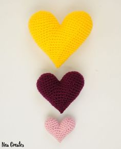 Crochet these super cute amigurumi hearts using this FREE crochet pattern! One pattern for each of the three sizes, works up in no time!