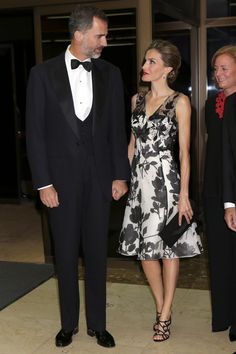 King Felipe VI of Spain and Queen Letizia of Spain attend a dinner in honour of the 'Mariano de Cavia', 'Luca de Tena' and 'Mingote' awards winners at Casa de ABC yesterday in Madrid. The King also. Fashion Couple, Fashion 101, Royal Fashion, High Fashion, Womens Fashion, Lace Dress, Dress Up, Estilo Real, Queen Letizia
