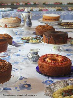 Colacorelinha por Ma Stump » Arquivos » Decoração para batizado: mesa de bolos e doces. Inspire-se!
