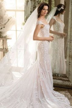 must take photos wedding dress bride with long train justinalexander via instagram