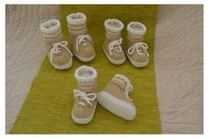Sneaker Booties (with Make believe Socks! Baby Knitting Patterns, Knitting Stitches, Baby Patterns, Crochet Hook Sizes, Crochet Hooks, Baby Ladybug, Knitted Booties, How To Start Knitting, Baby Boots