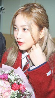 ʚ pin - lloverrose ɞ Seulgi, Kpop Girl Groups, Korean Girl Groups, Kpop Girls, Kim Yerim, Red Velvet Irene, Violet, Me As A Girlfriend, South Korean Girls