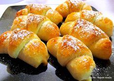 Nejedlé recepty: Sladké plněné rohlíčky Czech Recipes, Russian Recipes, Mini Desserts, Hot Dog Buns, Bread Recipes, Nutella, Food And Drink, Sweets, Cookies