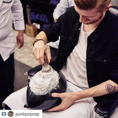#Repost @punkpoprap  So @playboygermany sent me to Barber House Munich in order to lather and shave a balloon for the latest edition of How to be a Playboy -> out on newsstands today pic by @somanycolorshere  #barber #straightrazor #razor #barbershop #munich #playboy #münchen #barbier #pomade #reuzel #barberlife #barberlifestyle #hair #haircut