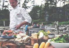 Buffet wood set up Seafood Bbq, Beach Dinner, Outdoor Cooking, Great Recipes, Wedding Stuff, Buffet, Entertaining, Weddings, Wood