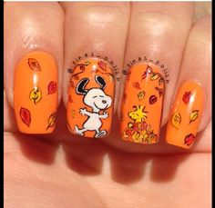 10 Thanksgiving Nail Art Design To Try - November's fourth Thursday is too close, and everyone is ready for eating turkey. It's the time when it comes into realization that now is the per. Fall Nail Art Designs, Halloween Nail Designs, Cute Nail Designs, Halloween Nails, Fancy Nails, Pretty Nails, My Nails, Cute Fall Nails, Nice Nails