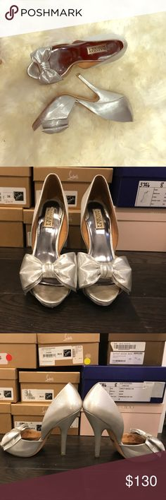 Pretty Little Silver Pumps! Cute and sweet .. Cinderella style pumps! Very comfortable .. worn twice Badgley Mischka Shoes Heels