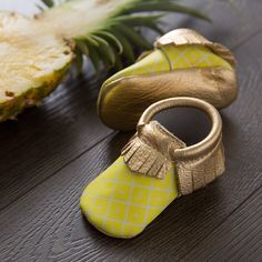 PINEAPPLE - PICNIC PACK LIMITED EDITION MOCCASINS FROM FRESHLY PICKED