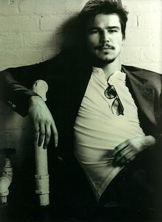 I swear.....Josh Hartnett is the sexiest thing to ever happen on planet earth! I have been in lust with  him for literally over 1/2 my life... and i dont see an end in sight!