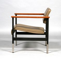 Robin Day; Wood, Chromed and Enameled Metal Armchair, c1960. 60s Furniture, Vintage Furniture Design, Sofa Chair, Armchair, Robin Day, Single Chair, Mid Century Chair, Furnitures, Eames