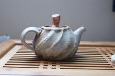 Hong Seong Il     Wood/salt-fired Shino teapot.