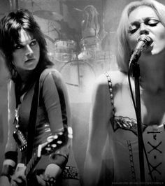 The Runaways (Joan Jett, Cherie Currie)