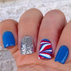 patrioticnails.quenalbertini:4th of Ju- ly by badgirlnails's photo on Insta- gram