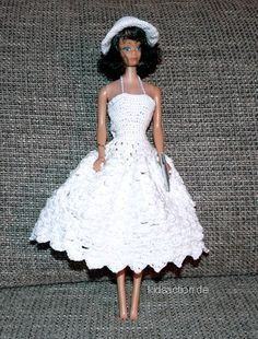 The page contains several crochet patterns for your fashion doll (german lang.) Use Googletranslate.com http://handarbeiten.kidsaction.de/haekeln/puppenkleidung/midge.htm