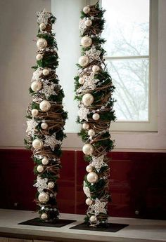 Make your home cozy and comfortable with these 11 - Weihnachtsdeko draussen ☃️ - christmas Noel Christmas, Winter Christmas, Handmade Christmas, Christmas Wreaths, Christmas Crafts, Christmas Ornaments, Modern Christmas, Christmas Flower Arrangements, Floral Arrangements