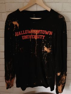 Halloween Town, Halloween Shirt, Halloween Ideas, Black White Stripes, Navy And White, Fall Outfits, Cute Outfits, Estilo Grunge, Sweater Weather