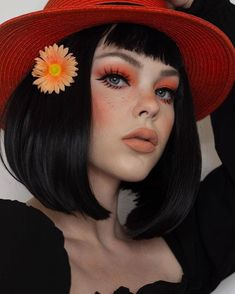 Are you a fan of bob haircuts? A lot of women love them since they are so low-maintenance while being so gorgeous, effortless, and easy to style. If y... Retro Makeup, Edgy Makeup, Cute Makeup, Beauty Makeup, Hair Makeup, Halloween Makeup Looks, Pretty Halloween, Mode Inspiration, Makeup Inspiration