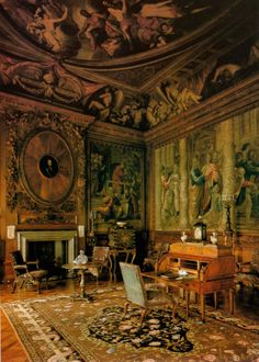 The Drawing Room - Chatsworth - Derbyshire - England. Home to the Duke and Duchess of Devonshire. English Country Manor, English House, Beautiful Interiors, Beautiful Homes, Sightseeing London, Chateau Hotel, Chatsworth House, Drawing Room, Historic Homes