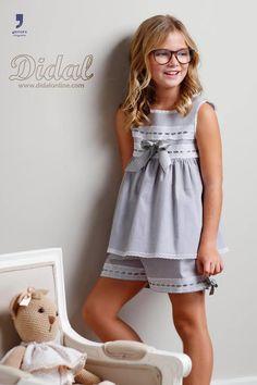 Pijama Dresses Kids Girl, Little Girl Outfits, Kids Outfits, Preteen Girls Fashion, Kids Fashion, Pritty Girls, Kids Gown, Kids Pajamas, Baby Dress