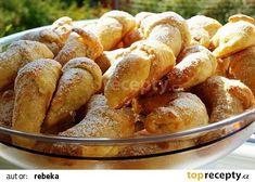 Rohlíčky ze šlehačkového těsta recept - TopRecepty.cz Czech Recipes, Russian Recipes, Home Baking, Pretzel Bites, Sweet Recipes, Good Food, Food And Drink, Sweets, Bread