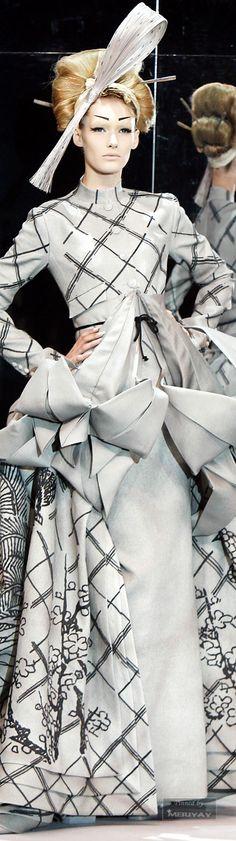 www.2locos.com  Christian Dior #WhenFASHIONisART and ART is FASHION https://www.pinterest.com/dcindcmedia/