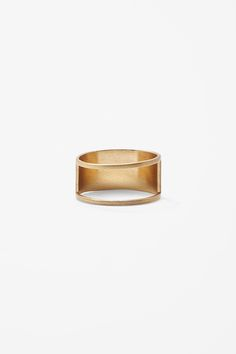 Cut-out metal ring