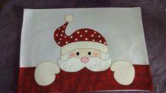 Dicas de Pano de Prato de Natal com Patchwork Christmas Towels, Diy Christmas Ornaments, Christmas Art, Christmas Projects, Christmas Stockings, Mug Rug Patterns, Applique Patterns, Christmas Applique, Christmas Sewing