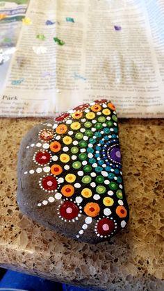 Mandala painted rocks - 40 DIY Mandala Stone Patterns for Random Awesomeness – Mandala painted rocks Dot Art Painting, Rock Painting Designs, Mandala Painting, Pebble Painting, Pebble Art, Stone Painting, Painting Patterns, Mandala Painted Rocks, Mandala Rocks