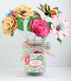 Paper Flower Spring bouquet | a Silhouette project #silhouettedesignteam