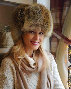 Gabriela Simion in  Vacanta la Moscova Winter Hats, Travel, Fashion, Moda, Viajes, Fashion Styles, Destinations, Traveling, Trips