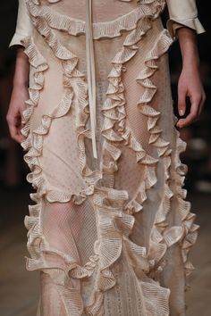 Alexander McQueen Spring 2016 Ready-to-Wear Collection - Vogue