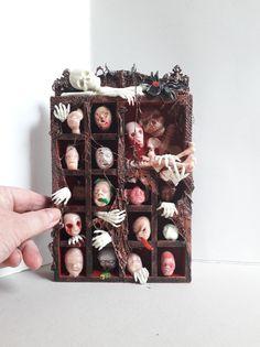 Halloween Diorama, Halloween Shadow Box, Halloween Clay, Halloween Miniatures, Halloween Crafts, Haunted Dollhouse, Haunted Dolls, Diy Dollhouse, Miniature Crafts